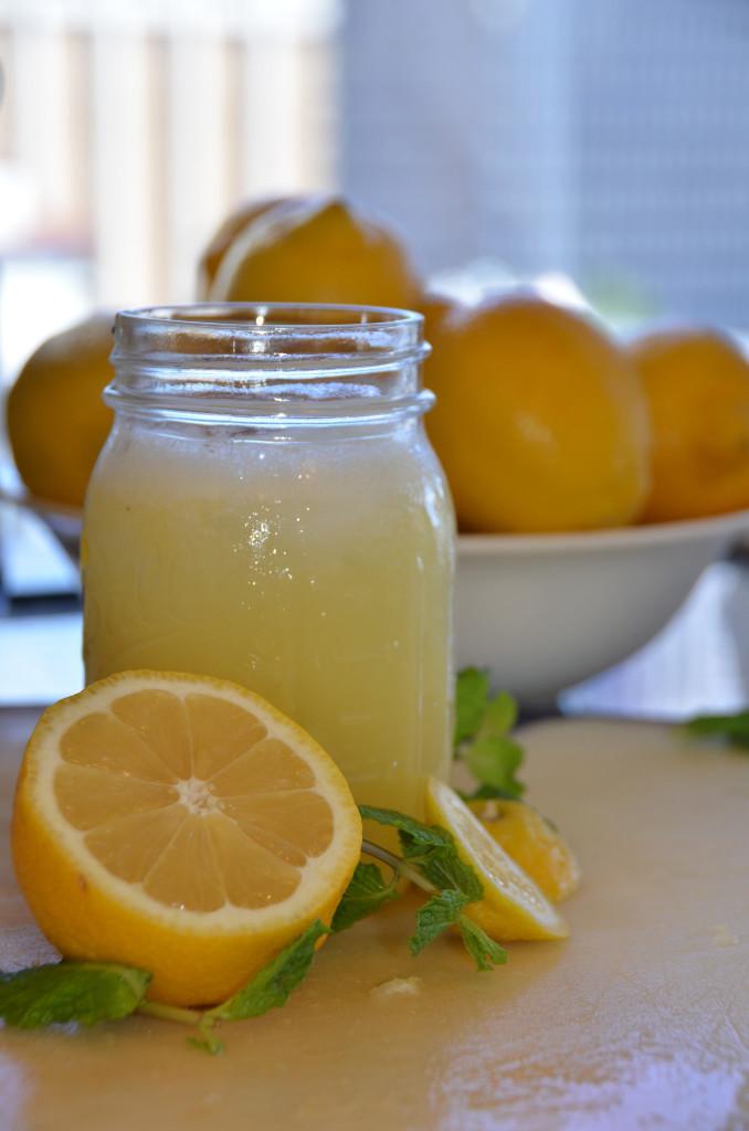 Eau citronnée jaune + menthe - Flickr comm use 13905173203_c44244e0e7_k
